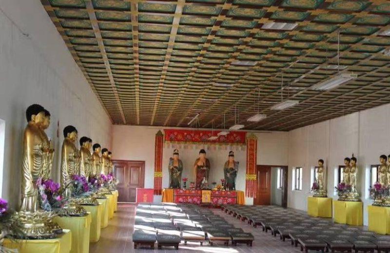 Зал главного храма