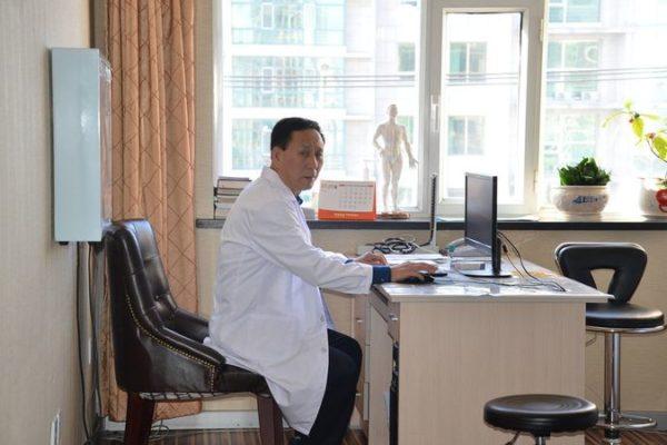 Врач отделения ортопедия